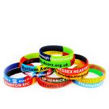 De promotie Kleur Gevulde Armbanden van de Manchetten van het Silicone