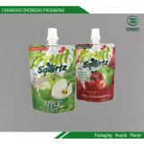 Levar in piedi in su l'imballaggio di plastica del sacchetto del becco per la spremuta della gelatina dei bambini