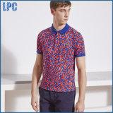 Les points neufs de Pollka de mode de modèle ont estampé la chemise de polo d'hommes