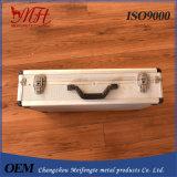 Eenvoudige LichtgewichtToolbox van het Aluminium met het Af:drukken Manufactur z-Z1041 van het Embleem