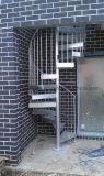 Galvanizar a escadaria pequena da espiral do espaço do porão da etapa do metal