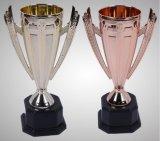 3つのサイズの橋選手権のための青銅色のトロフィ