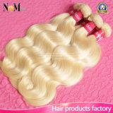 613 Curly brasileiros do descorante louro/profundamente onda/onda do corpo/em linha reta Weave do cabelo humano
