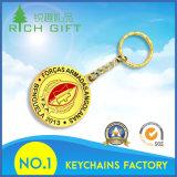 El oro del metal plateó la fuente grabada Emoji de Keychain con el anillo grande Attachement