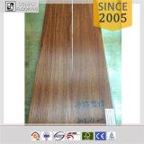 Plancher auto-adhésif de vinyle de PVC en bois