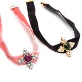 真珠のラインストーンの方法宝石類のネックレスが付いている黒いピンクのビロードの合金