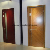 Modèle en bois classique de porte de porte intérieure d'appartement