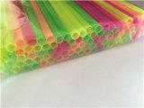 Harter Neonplastiklöffel-Trinkhalm