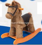 Pônei de Brown Ingleses do cavalo de balanço da fonte da fábrica