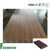 Decking composto plástico de madeira do revestimento ao ar livre de WPC para plataformas da associação