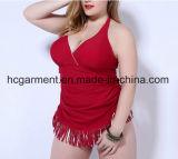 女性の大型のふさビキニ、とサイズの二つの部分から成った水着