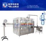 Pequeña máquina de rellenar plástica automática del agua de botella