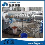Tubulação automática da canalização do PVC que faz a máquina