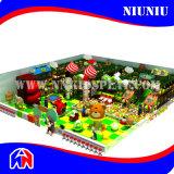 Equipamento interno do campo de jogos do divertimento das crianças