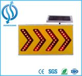 Sinal de tráfego psto solar do diodo emissor de luz do alumínio/placa do sinal/sinal solares seta do tráfego