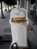 Pâte semi-automatique Divdier et machine plus ronde dans le matériel de traitement au four