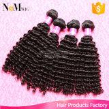加工されていないマレーシアのバージンの毛の深く巻き毛の波か堅い巻き毛のマレーシアの人間の毛髪のよこ糸