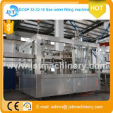 Maquinaria embotelladoa del agua carbónica