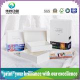 Caselle impaccanti di varia stampa di carta con il cartone duro
