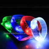 인쇄되는 로고를 가진 최신 판매 놀 클럽 LED 팔찌 (4011)