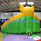 巨大なPVC膨脹可能なスライドか遊園地の膨脹可能なスライドまたは膨脹可能な水スライド