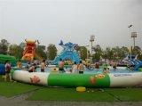 膨脹可能な商業水公園のおもちゃ、円形のプール膨脹可能な水ゲーム装置