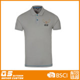 O golfe do polo dos homens ostenta o t-shirt