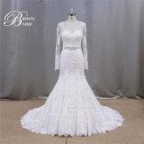 La longue chemise voient à travers la robe de mariage romantique arrière