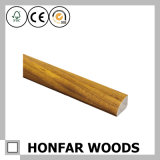 Modanatura della parte superiore del materiale da costruzione di legno solido