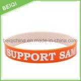 Concevoir bon marché la bande de poignet duelle de silicones de bracelet de silicones de couche