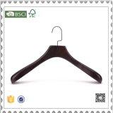 De uitstekende Houten Hanger van het Kostuum van de Kleerhanger voor de Winkel van de Doek