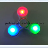 새로운 디자인 3개의 번쩍이는 최빈값을%s 가진 고속 합금 방적공 LED 손 싱숭생숭함 방적공