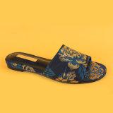 Pistoni casuali della signora Blue Embroidery Low Heel per le donne