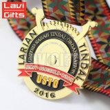De Chinese Goedkope Medaille van de Sport van de Toekenning van de Herinnering van de Legering van het Zink van het Metaal van het Embleem van het Email van de Nieuwigheid van de Douane Glanzende Dubbele Zij Zachte 3D Valse Gouden