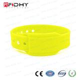 Entscheidender QualitätsrohstoffRFID Wristband mit Einlage-Karte