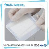 Medizinische Behandlung Superabsorbent, das 10cm*10cm steril kleidet