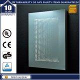 Miroir en verre allumé éclairé à contre-jour par DEL approuvé décoratif de salle de bains d'UL
