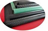 Nattes noires, rouges, vertes, grises en caoutchouc de bande mince