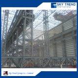 Una struttura d'acciaio industriale dei 3 piani della costruzione