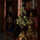 居間または寝室または休日の装飾のための電池式60cm24LED LEDの松の木