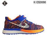 La mode badine les chaussures de course de sports avec la bonne qualité