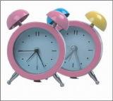 Petite horloge d'alarme (KV820)