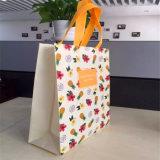 Bolsa de papel viva reciclada del color con la maneta