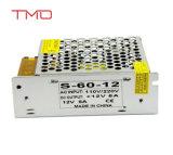 LA CC di CA di 12V 5A universale ha regolato l'alimentazione elettrica dell'interruttore 60W per l'indicatore luminoso di striscia del LED