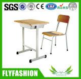 Taille standard de salle de classe en bois de bureau et de chaise simples d'école