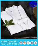 100%年綿の下着のワッフルの浴衣、ホテルの浴衣の、