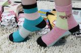 Chaussettes faites sur commande de tube de jeune Madame fille de mode d'usine