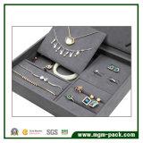Boîte de présentation faite sur commande à extrémité élevé de bijou de suède
