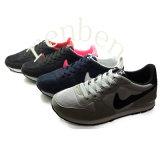 熱く新しい販売の女性の方法スニーカーの靴
