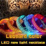 Colar de cão de nylon do diodo emissor de luz do animal de estimação da cópia do leopardo